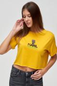 Оптом Топ футболка женская горчичного цвета 9008G