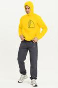 Оптом Ветровка спортивная Valianly мужская желтого цвета 93419J в Екатеринбурге, фото 10
