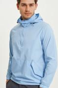 Оптом Анорак ветровка Valianly мужская голубого цвета 93430Gl в Казани, фото 3
