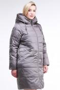 Оптом Куртка зимняя женская классическая коричневого цвета 98-920_48K, фото 2